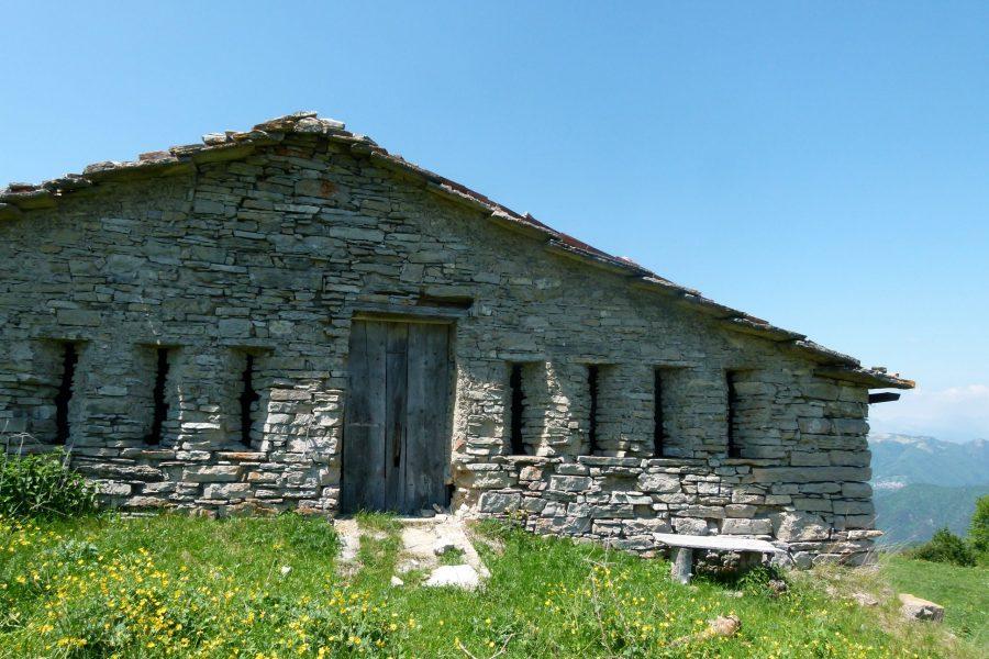 L'architettura rurale dei piccoli segni sul lago di Garda